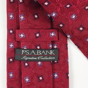 JOS. A. BANK Signature Textured Red Silk Tie